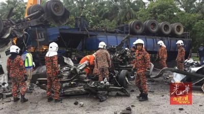 乘车回乡扫墓途中,与失控行驶的罗里发生碰撞,轿车惨遭压毁,车上6人悉数当场死亡。