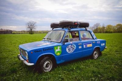Kopeyka配置有一座直列四缸引擎,是前苏联经典车款。