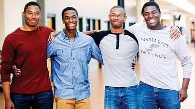 左起扎卡里、阿伦、奈杰而和尼克。