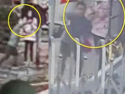 抢劫匪抢走手机后,还是一下子冲入警察局,当场被捕。