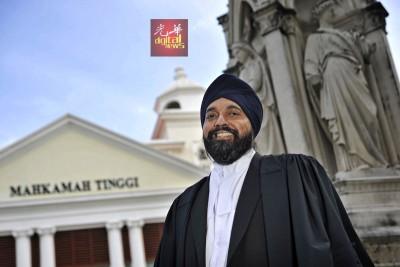 峇日星已从事执业律师25年,有丰富的法律专业经验。