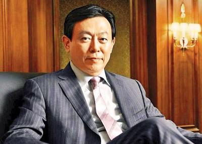 辛东彬(上图)因为参考人身份前往检察厅受查。