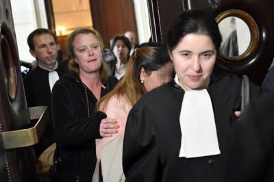 其中一名侍从(右二)日前到庭作证。
