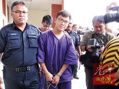 李宗圣等人被延扣2天助查。