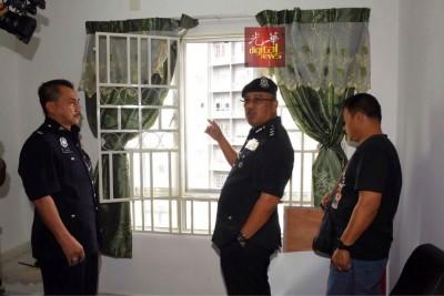 沙菲因指出,匪徒从女事主的住家窗口进入,以躲避警方的拘捕。