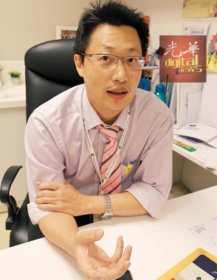 陈医生表示,定期复诊是B型肝炎病人对抗肝癌的最重要关键。