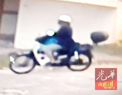 宵小骑着摩托车到清龙宫,偷取神像的过程前后不到5分钟。