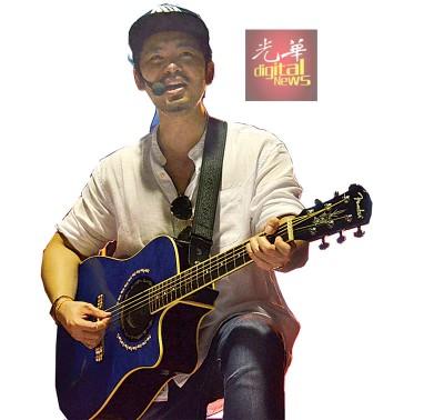 林宏龙带来多首耳熟能详的经典歌曲,包括师傅许冠杰及猫王的经典老歌。