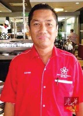阿兹哈:敦马仍身在海外,希联4党在甲抛峇底展开政治演说会展延。