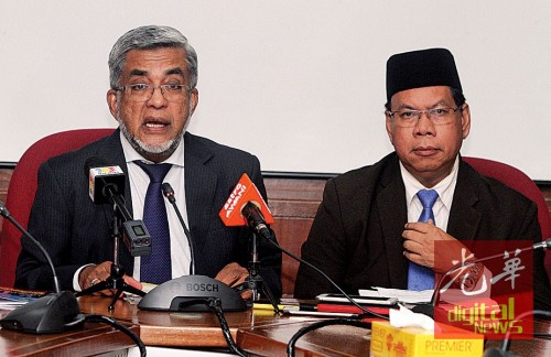 阿都玛烈(左)在沙烈曼的陪同下指出,哈芝沙扎里将出任槟州伊斯兰义献基金会代总执行长一职。