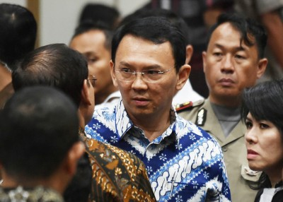 印尼司法人权部接获有人使当狱中刺杀锺万套的新闻,才将外转送警察部队总部。(法新社照片)