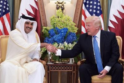 特朗普上月曾在沙地与卡塔尔国王塔米会晤。