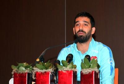 图兰在新闻发布会上宣布,他将永久性退出土耳其国家队。这意味着对阵马其顿共和国的一场友谊赛也成为了图兰在土耳其国家队的绝唱。