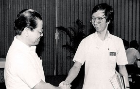 """林吉祥与许子根在1986年""""丹绒一役""""提名时先礼后兵。"""