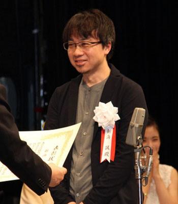 新海诚被日本八卦媒体报导有婚外情。