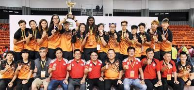 大马女篮以4战全胜,喜爱得第一顶大马篮总国际篮球邀请赛后冠。