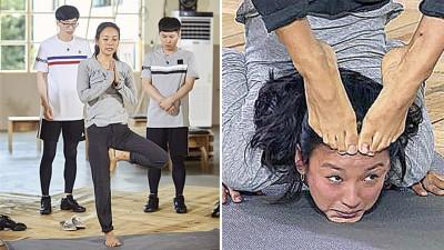 李孝利睽违3年上《无限挑战》,透露自己练了3年瑜伽。李孝利应主持群要求,把脚贴额头搞笑。