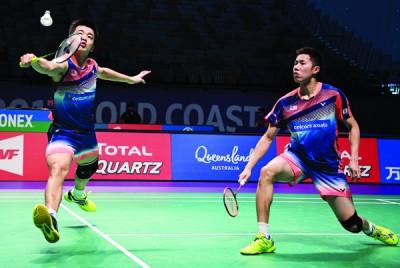 陈蔚强/吴蔚昇于澳洲羽球赛上演一圈游。