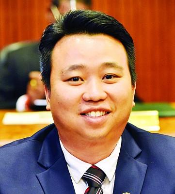 黄顺祥(2016年槟岛市议员,行党。)