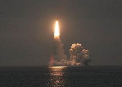 布拉瓦导弹于2014年在白洋之试射画面。