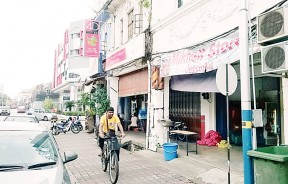 为管制外劳在本地经商的活动过度泛滥,槟岛市政厅将会于7月份开始实行新指南。