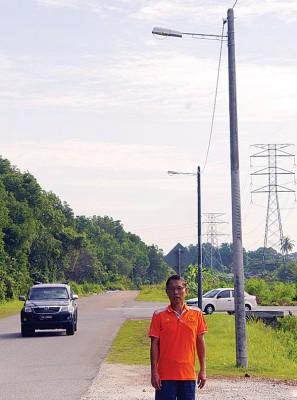 当局在新市镇商业区往英丹园捷径道路安装3盏新路灯。