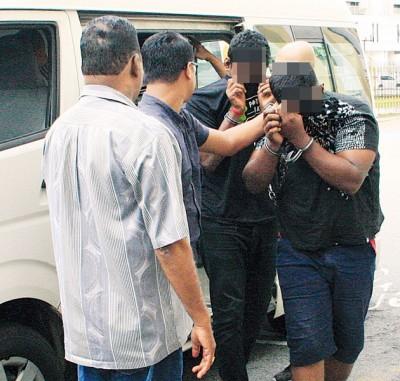警方逮捕3名年龄介于15至22岁的嫌犯助查。