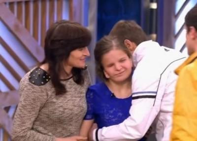 巴黛娃在俄罗斯一个电视节目上,与家人重逢。