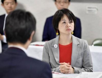有支持性侵受害者的组织与政党商讨修例。