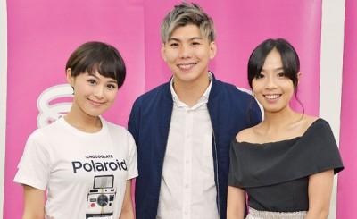 留守八度空间,收看由小玉(左起)、李诗斌和黄玮瑄主持的《同心·同在》节目,更加了解马来西亚这片土地。