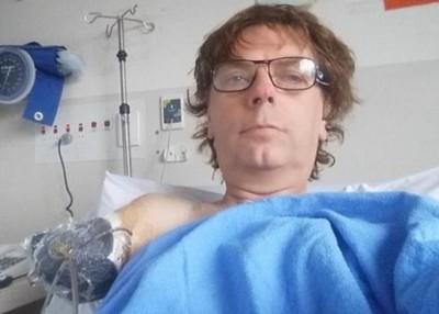 阿伦因工业意外断臂。