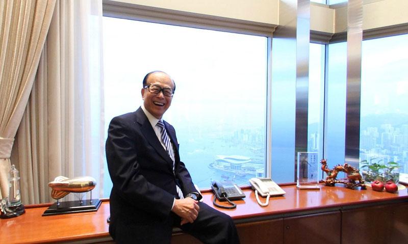 李嘉诚受访时曾表示,即使退休仍会继续使用现时长江中心的办公室。