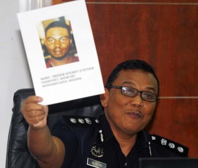 警方要寻找非洲籍男子艾比斯安阿菲安依史提芬,助查男童疑遭虐死案。