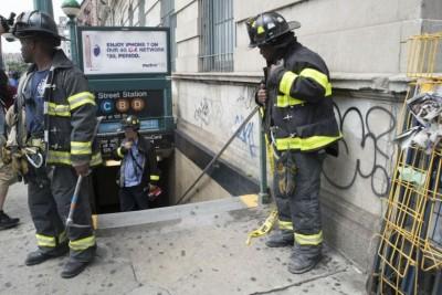 地铁库厢出轨事件,导致30多人口受伤。