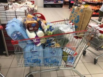 商品放满购物车。