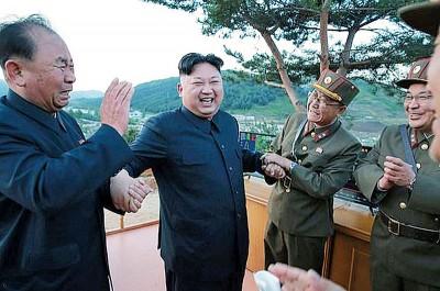 金正恩屡次对试射导弹的成果表示满意。