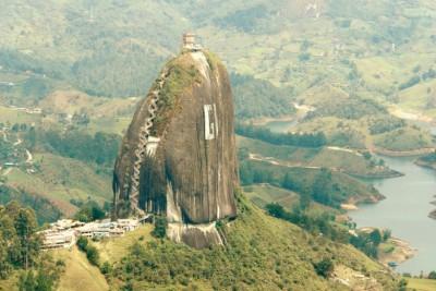 大量岩是当地的有名景点。