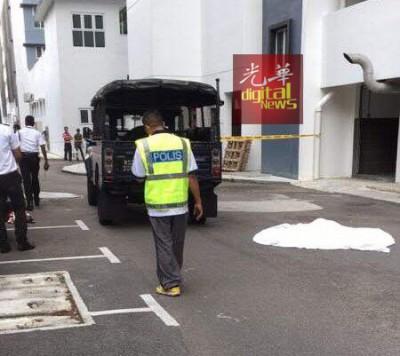 警方接获投报赶往现场调查。
