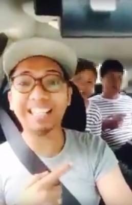 """""""GrabCar""""司机把羞辱游客的从拍视频放上网,网民纷纷狠批,司机最终于开除。"""