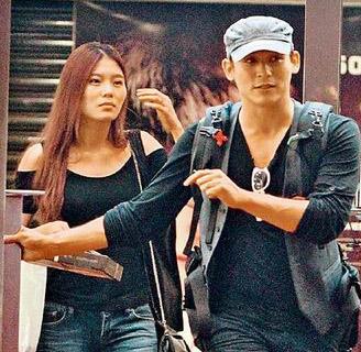 倪安东和老婆Vivi育有1女,现已分居谈离婚中。