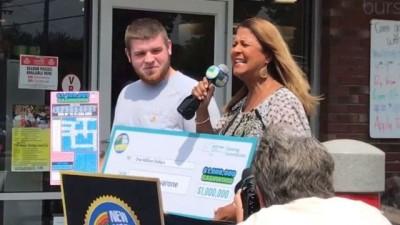 19岁的艾耶佛诺刮出400万奖金。