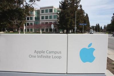 苹果承诺要在美国兴建3座大型工厂。