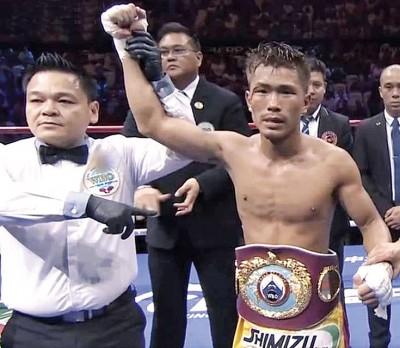 木村翔(右)蓦然成为了日本第13何谓现役世界职业拳王。