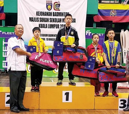 尤阳今年勇夺全国学联12岁以下冠军,创下吉辇县史上最好的成绩。