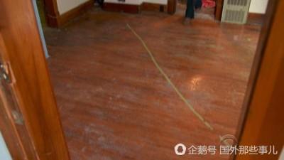 于内的地板上划上了边界线,一不小心就出国了。