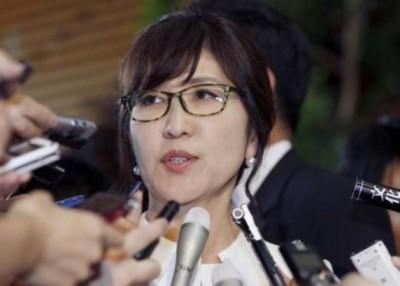 稻田朋美(图)或在安倍晋三改组内阁时出局。