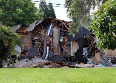 涉事的房子损毁严重。