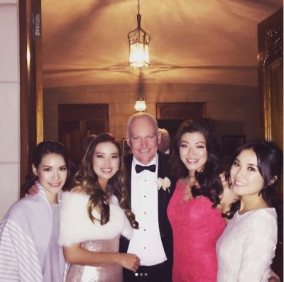 李姿敏和53岁澳洲籍练马师贺贤在澳洲结婚。