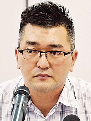 黄德亮表示申请者可携带信件到马华总部,要求咨询服务。