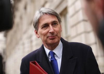 英国财长哈蒙德主张设立经贸过渡期。